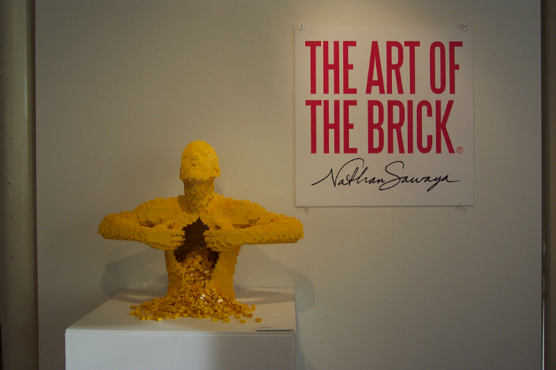 the_art_of_the_brick_001